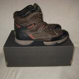Ботинки Landrover Германия 40 размер,по стельке 26 см. Кожаные.зимние..внутри утеплитель- шерсть.Ле