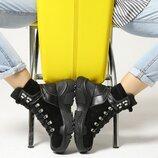 Женские зимние замшевые черные ботинки на шнуровке на массивной подошве натуральная кожа