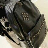 Вместительный городской рюкзак для школы с заклепками
