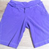 Хлопковые шорты Италия для девочки 9-11 лет.Состояние отличное.Цвет фиолетовый.