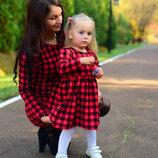 Комплект теплых нарядных платьев для мамы и дочки фемели лук клетка