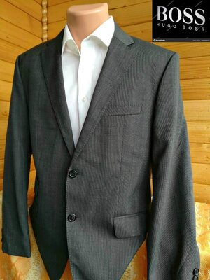 Классический качественный пиджак от Hugo Boss , оригинал, пр-во Турция.