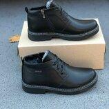 Зимние мужские ботинки черные на меху