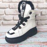Зимние белые женские ботинки из натуральной кожи натуральный мех
