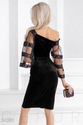 Неотразимое бархатное платье.