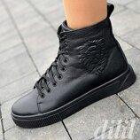 Кроссовки женские зимние кожаные черные высокие на толстой подошве