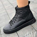 Ботинки женские зимние кожаные черные высокие на толстой подошве