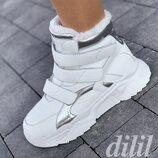 Ботинки женские зимние белые на толстой подошве, на платформе на липучке