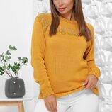 Вязаный женский свитер с красивым орнаментом 168M