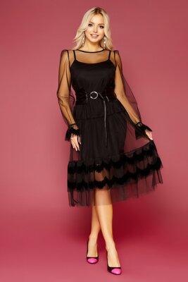Черное стильное платье с сеткой