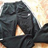 Спортивные штаны фирменные Adidas р.46 длина 103см.
