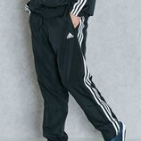 Спортивные штаны фирменные Adidas р.46 длина 104см.