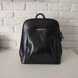 Кожаный рюкзак черный, городской трансформер