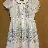 Шикарное классическое белое платье с воротником в гороше цветы earth