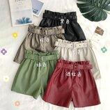 стильные женские шорты из искусственной кожи