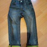 Фирменные джинсы с отворотом р.98