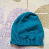 Оригинальная демисезонная вязаная шапочка для вашей модницы