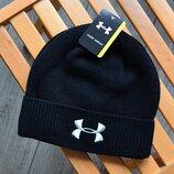 Стильная мужская шапка Under Armour. Живое фото