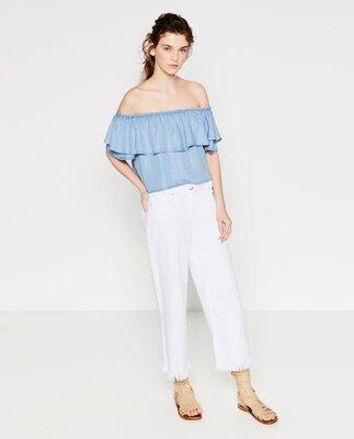 Актуальная свободная блуза топ на плечи деним Zara /с воланами