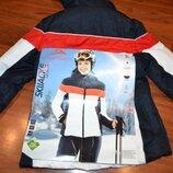 Лыжная куртка размер S - M, есть лыжный костюм.