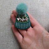 Брошка брошь из бисер ручная работа шапка шапочка меховой помпон норка