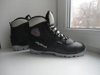 раз.37.Лыжные ботинки Alpina NNN