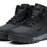 ботинки зимние Nike. 41 размер, скидка на последний размер, стелька 27,3 см