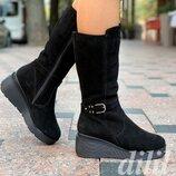 Сапоги женские зимние замшевые кожаные черные на танкетке