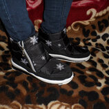 Класні зимові черевики на меху, маломірки, 300 грн 38,39,39,40 рр
