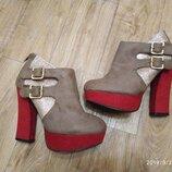 Яркие замшевые ботильоны ботиночки