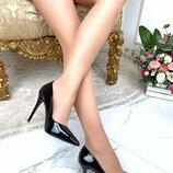 Женские чёрные туфли лодочки, лаковые