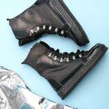 Стильные кожаные женские зимние черные серебристые ботинки на цигейке натуральная кожа