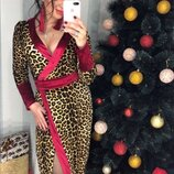 Платье на запах леопардовое с отделкой бархатной