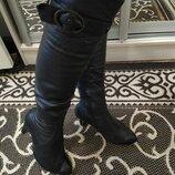 Ботфорты кожаные демисезонные размер 36 в очень хорошем состоянии.
