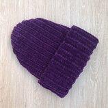 Велюровая шапка ручной работы темно-фиолетового цвета