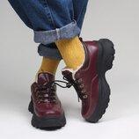 Яркие бордовые короткие зимние кожаные ботинки на платформе, ботинки кожа зима
