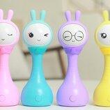 Умная интерактивная музыкальная погремушка игрушка - Умный Зайка Alilo R1