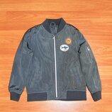 Серая куртка,курточка,бомбер,98,104,3-4 года Состояние новой