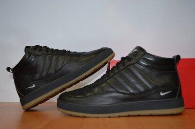 Кроссовки зимние Nike.