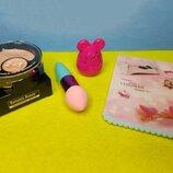 Набор косметический из 4 наименований пудра с консиллером,спонж,бальзам для губ, дорожное зеркало