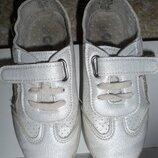 Мокасины-Кеды с блеском,на липучках.Размер 32,стелька до загиба 19 см.