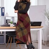 Теплое вязаное платье-сарафан в клетку «Хлоя»