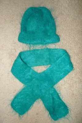 Продано: Комплект зимний - шапочка, шарф зеленый мохер