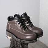 Зимние кожаные ботинки для девочек