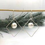 Жіночі срібні сережки ромб всередині перлинка, женские серебряные серьги ромб с жемчугом