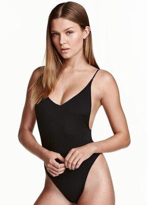 Стильный фирменный цельный сдельный слитный купальник H&M