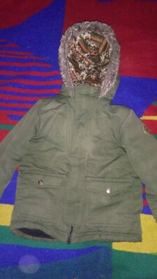 Тёплая куртка на 4-6 лет