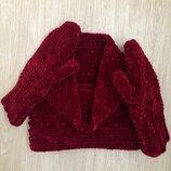 Комплект из велюровых снуда и варежек ручной работы бордового цвета