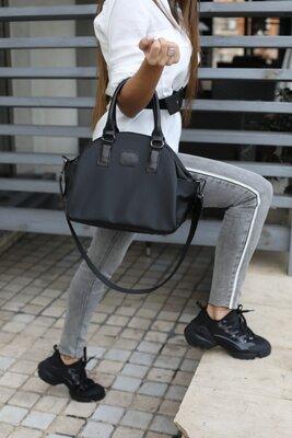 Кожаная деловая сумка женская саквояж черная с ручками и ремешком через плечо