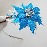 Голубой цветок ручной работы на ободке